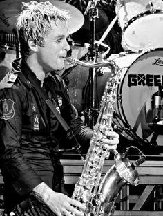 Billie Joe Armstrong on the Sax ladies and gentlemen.