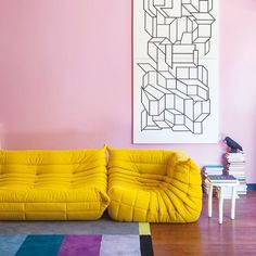 Togo by michel ducaroy home deco * гостиная. Sofa Design, Furniture Design, Ligne Roset Sofa, Yellow Sofa, Small House Decorating, Yellow Interior, Sofa Home, Palette, Sofa Set