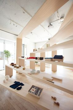 Store space of aeru meguro by NOSIGNER