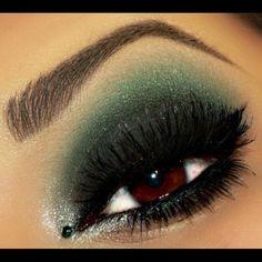 green and black make up Kiss Makeup, Glam Makeup, Love Makeup, Hair Makeup, Stunning Makeup, Green Smokey Eye, Smoky Eyes, All Things Beauty, Beauty Make Up