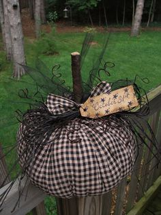 FOLK Art PrimiTive HALLOWEEN Fall Black Check WiTch PUMPKIN DecoraTion Star TaG #NaivePrimitive #MelissaHarmon