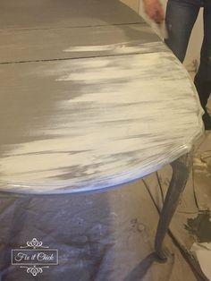 Diy farm table - How to turn your table into a Farm Table – Diy farm table Dark Wood Dining Table, Oak Dining Sets, Diy Dining Room Table, Nook Table, Rustic Table, Build A Farmhouse Table, Farmhouse Style Table, Farmhouse Decor, Diy End Tables