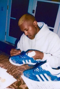 Could There Be a New Kanye West-Adidas Collaboration Coming Soon? - Gazelle Adidas - Ideas of Gazelle Adidas - Kanye West Adidas Gazelle Kanye West Style, Kanye West And Kim, Kanye West Yeezus, Adidas Gazelle, Adidas Superstar, Kanye West Wallpaper, Music Wallpaper, Kanye West Songs, New Kanye