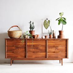 #Repost @thewhiitehouse ・・・ happy mama's day! i'm almost finished restoring this very pretty walnut dresser/credenza- my email's in my bio if you'd like to come see it! ✨ #restoration #interior #interiorinspo #interiorinspiration #midcenturymodern #midcenturyfurniture #moderndesign #decor #botanical #modernliving
