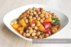 Höchste Zeit mal wieder einen eurer absoluten Lieblingsposts in ein Rezept zu integrieren ;)! Heute finden die gerösteten Kichererbsen auf einem leckeren, herbstlich angehauchten Curry ein neues Zu...