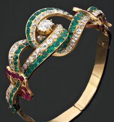 Bracelet semi-rigide.  Deuxième moitié du XIXe siècle.