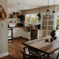 Image uploaded by Shorena Ratiani. Find images and videos about home, house and interior on We Heart It - the app to get lost in what you love. Küchen Design, House Design, Interior Design, Cottage Design, Cottage Style, Kitchen Dining, Kitchen Decor, Kitchen Ideas, Rustic Kitchen