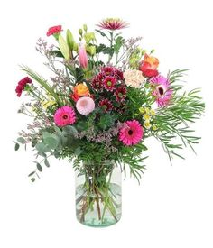 Be a winner with this lovely bouquet, arranged and prepared by the florist and hand delivered to your loved ones. Impress your partner with this bouquet. Baby Boy Balloons, Birthday Balloons, Flower Delivery Service, Flowers Delivered, First Love, Bouquet, Rose, Pink, First Crush