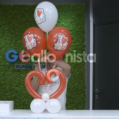 Europe's largest manufacturer of natural rubber latex balloons biodegradable, long lasting and ultra resistant. Balloon Crafts, Birthday Balloon Decorations, Balloon Gift, Diy Wedding Decorations, Balloon Garland, Valentine Decorations, Birthday Balloons, Minnie Mouse Balloons, Up Balloons