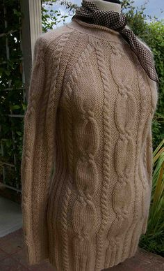03 Pullover mit Zopfmuster / Sweater with Cables pattern by Rebecca Design Team