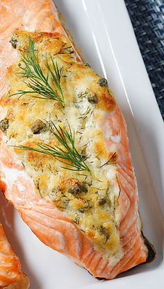 Tuorejuustotäytteiset lohitaskut | Maku Salmon Recipes, Seafood Recipes, Low Carb Recipes, Vegan Recipes, Finnish Recipes, Healthy Gourmet, Food Porn, Sweet Sauce, Fish And Seafood