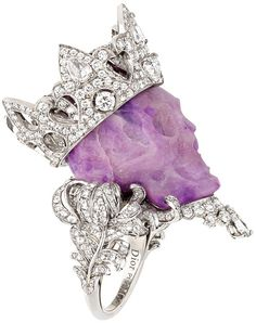 A thread dedicated to current Dior Fine Jewelry designer Victoire de Castellane. Victoire worked for Chanel for fourteen years before starting at Dior. Skull Jewelry, Jewelry Box, Jewelry Accessories, Fine Jewelry, Unique Jewelry, Western Jewelry, Hippie Jewelry, Purple Jewelry, Gems Jewelry