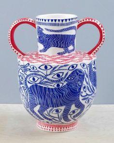 'Indian Dreams' amphora pot by Vicky Lindo & Bill Brookes, 2017 (sgraffito on a slipware vase) Glass Ceramic, Ceramic Clay, Porcelain Ceramics, Ceramic Pottery, Contemporary Ceramics, Contemporary Art, Home Design, Design Art, Keramik Design