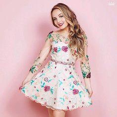 Nova foto liberada pela Miss Teen para a nova coleção !! ❤ Morrendo de  amores aquii  larissamanoelabytwoin 2b393f72f5