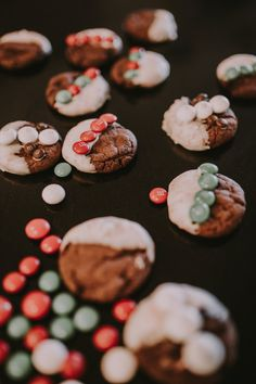 M&M Peppermint White Chocolate Cookies! These are so simple to make and so yummy!