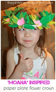 Moana inspired paper plate leaf and flower crown. Kid's arts and craft. Construction paper headpiece for dress up and pretend play.