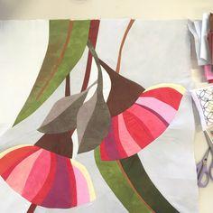 Piecing a Botanical Quilt: a quiltmaking workshop — Ruth de Vos: Art Voss, Flower Quilts, Fabric Flowers, Australian Flowers, Guache, Aboriginal Art, Botanical Art, Painting Inspiration, Textile Art