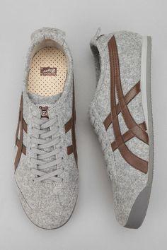 Sonhando com isso... Asics Mexico '66 Felt Sneaker Casual Sneakers, Sneakers Fashion, Casual Shoes, Fashion Shoes, Men Casual, Mens Fashion, Men's Shoes, Nike Shoes, Shoe Boots