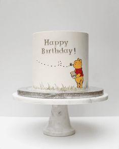 Smash Cake First Birthday, Smash Cake Girl, Baby Birthday Cakes, Cake Designs For Girl, Cake Designs Images, Baby Cake Design, Winnie The Pooh Cake, Winnie The Pooh Birthday, Grandma Cake