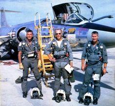 Pilots at Da Nang Air Base in front of an Da Nang, War Machine, Military Aircraft, World War Ii, Pilot, Wings, Abs, World War Two, Crunches