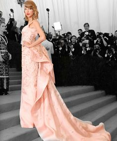 The 21 Best Looks From The Met Ball #refinery29  http://www.refinery29.com/2014/05/67370/met-gala-best-dressed-2014