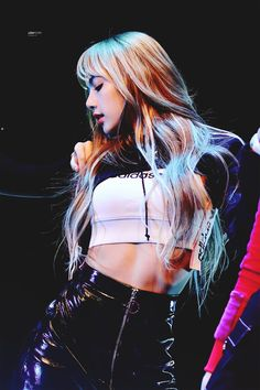 Lisa One Of The Best And New Wallpaper Collection. Lisa Blackpink Most Famous Popular And Cute Wallpaper Photo And Image Collection By WaoFam. Kim Jennie, Blackpink Photos, Cute Photos, Beautiful Pictures, Melanie Martinez, Lisa Black Pink, Lisa Blackpink Wallpaper, Still Picture, Kim Jisoo