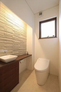 Japanese Modern, Japanese House, Bathroom Toilets, Small Bathroom, Modern Powder Rooms, Modern Toilet, Dental Office Design, Natural Interior, Toilet Design