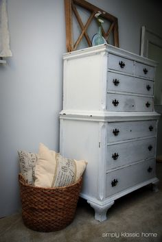 from GARDNERS 2 BERGERS: ✥ Reader Feature: Shabby Chic Bedroom Reveal ✥