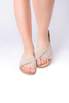 Relaxed ivory anatomic sandals - Leather sandals, light sandals, traveller sandals #outdoors #Birkenstock #LeatherSandals #TrekkingSandals #FlatSandals #WalkingSandals #Sandals2020 #AnatomicSandals #anatomic #WomenSandals Trekking Sandals, Designer Sandals, Black Leather Sandals, Flat Sandals, Real Leather, Birkenstock, Greek, Ivory, Outdoors