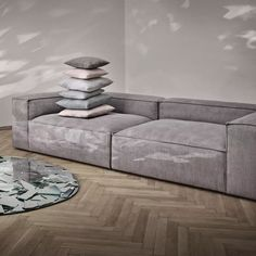 Canapé 2 places vert gris Cosima - Bolia - The Cool Republic Bolia Sofa, Sofa Design, Decoration, Sweet Home, New Homes, Couch, Cool Stuff, Cliff, Interior