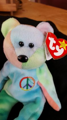 Rare 1996 Ty Beanie Baby Peace Bear Original Collectible with Tag Errors Beanie Babies Worth Money, Valuable Beanie Babies, Beanie Babies Value, Rare Beanie Babies, Beanie Baby Bears, Ty Beanie Boos, Beenie Babies, Beanie Buddies, Peace Beanie Baby