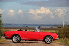 Michael's lovely Fiat 124 spider from Sweden. Fiat 124 Sport Spider, Fiat 124 Spider, Fiat Cars, Dream Machine, Rally, Vintage Cars, Cool Cars, Wheels, Sweden