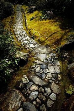 Garden-Stone-Path-12