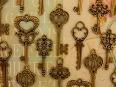 35 small skeleton keys bronze keys wedding by GlowberryCreations