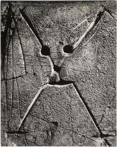 BRASSAÏ :: Graffiti, Tête de mort, 1949