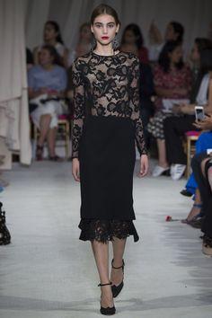 Oscar de la Renta Spring 2016 Ready-to-Wear Fashion Show - Romy Schonberger