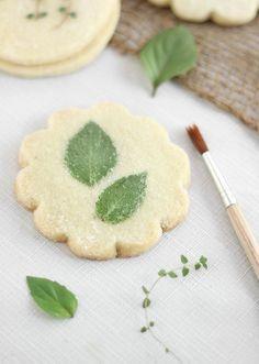 etsy-how-tuesday-heather-baird-sprinklebakes-edible-flower-shortbread-last