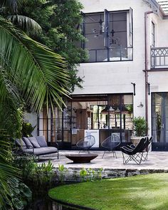 The Hermitage in Sydney's #Vaucluse was built in 1831, and has been owned by the Hemmes family since 1974. In 2011, Justin Hemmes, head of the Merivale hospitality group, moved back into the family's heritage-listed estate, and began renovations in consultation with #BrianHess, of Sydney firm #HessHoen, who oversaw the structural work and interior design. #Yellowtrace #YellowtraceArchitecture #AustralianArchitecture #TheHermitage http://www.yellowtrace.com.au/hess-hoen-the-hermita