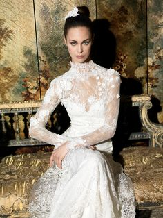 YolanCris | Romantic wedding dress & elegant bridal gonws by YolanCris : Romantic Tale