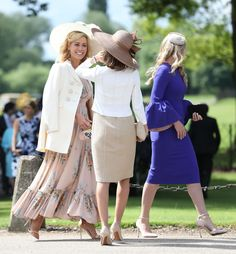 Guests arrive ahead of the wedding of the Duchess of Cambridge's sister Pippa Middleton to her millionaire groom James Matthews dubbed the society. Pippa Middleton Wedding, Pippa Middleton Style, Wedding Hats, Wedding Attire, Wedding Shoot, James Matthews, Afternoon Wedding, Crazy Hats, Preppy Girl