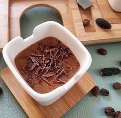 """Recette d'une """"mousse de spéculoos, café et tonka"""". Le spéculoos, le café et la fève tonka s'accordent à merveille dans ce dessert très parfumé et fondant."""