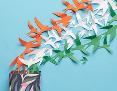 Created a stop motion animation for Fossil on the occasion of India's Independence Day with 130 paper birds Independence Day Message, Happy Independence Day Wishes, Independence Day Activities, Independence Day Decoration, 15 August Independence Day, India Independence, Paper Flowers Craft, Paper Crafts, Minnie Mouse Stickers