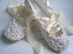 I want ballerina wedding shoes that tie just above the knee ! (Champagne Wedding Ballet Shoes, Bridal flats, Bobka Shoes by Bobka Baby via Etsy)