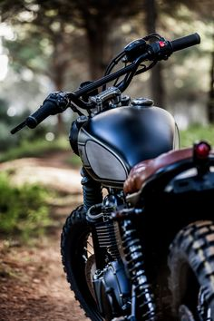 Browse many of my favorite builds - unique scrambler concepts like this Bmw Scrambler, Motor Scrambler, Triumph T100 Bonneville, Classic 350 Royal Enfield, Bullet Bike Royal Enfield, Motos Vintage, Cafe Racer Girl, Motorcycle Photography, Cafe Bike