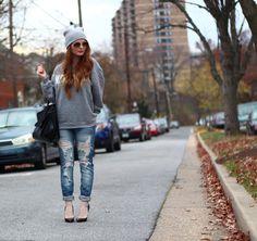 Ripped boyfriend jeans + slouchy beanie