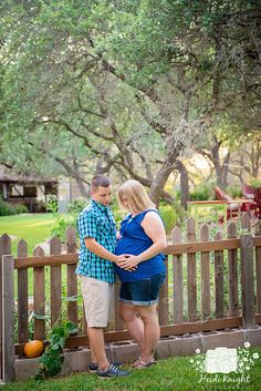 Maternity photo session with a beautiful Austin Texas couple at The Inn at Wild Rose Hall. By Heidi Knight Photography.