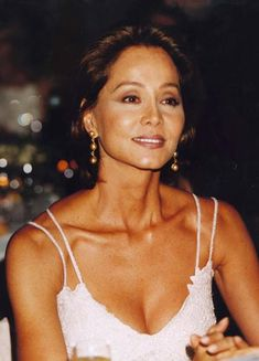 Isabel Preysler entrevistaba a Farrah Fawcet Hot Hair Styles, Ageless Beauty, Asian Hair, Amazing Women, Cool Hairstyles, Fashion Beauty, Celebs, Beautiful, Hair Care