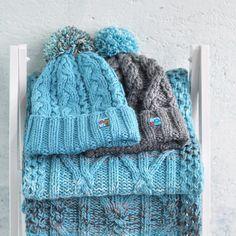 """157 Likes, 7 Comments - Шапки С Картинками (@hats_with_pictures) on Instagram: """"Вы видели этот комплект вчера на обновлённом Виталике. К нему ещё есть голубая шапка из 100%…"""""""
