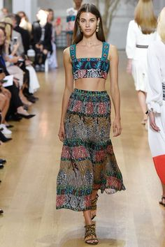 Oscar de la Renta Spring 2017 Ready-to-Wear Fashion Show - Pauline Hoarau