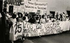 Manifestación del Orgullo Gay de Madrid, en 1994.